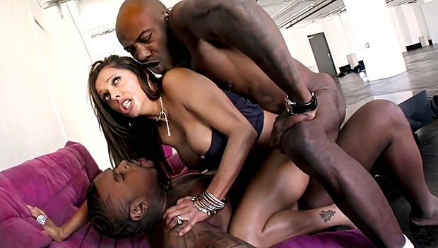 Francesca Le takes teo black monsters up the ass
